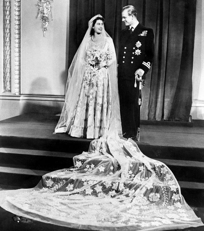 13 Incríveis vestidos de casamentos reais do século pretérito até hoje