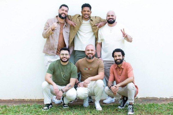 Maneva e Natiruts divide 'Lágrimas de alegria' ao concluir apresentação do álbum 'Caleidoscópico' com músicas excepcionais